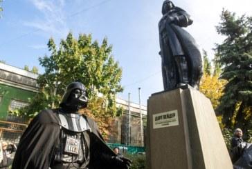 Statue of Lenin transformed into Darth Vader