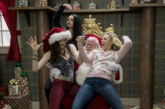 A Bad Moms Christmas Has Green And Red Band Trailerizations Plus Stills